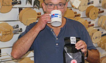 Markus Thies von Tischtennis pur trinkt Solino Kaffee