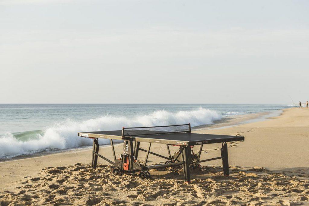 Cornilleau 700X Outdoor Tischtennisplatte am Meer