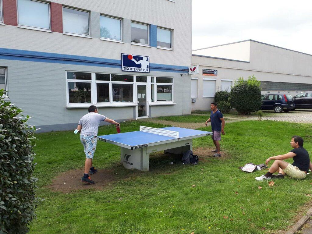 Match an der Tischtennisplatte