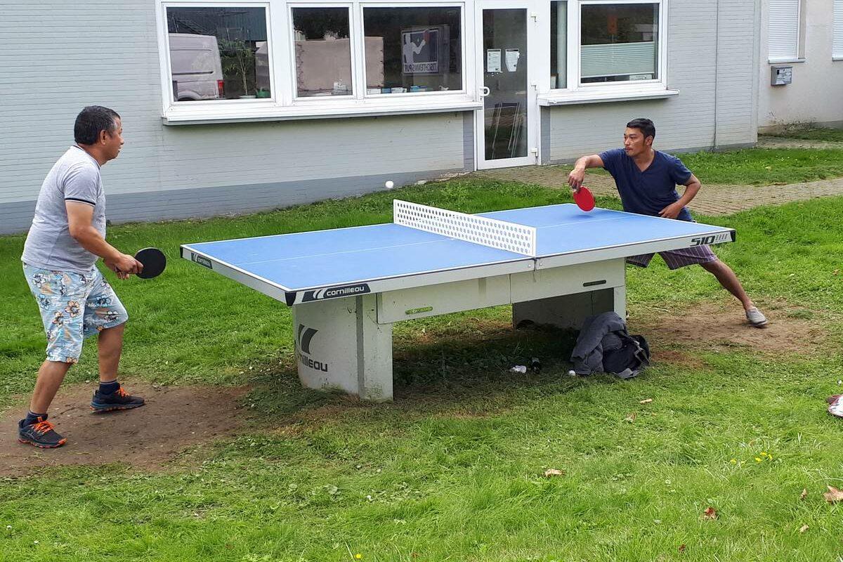 Tischtennismatch bei Tischtennis pur